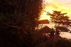Céu do por do sol em Bali, oceano de Ásia foto de stock