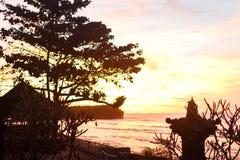 Céu do por do sol em Bali, oceano de Ásia imagens de stock
