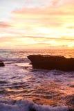 Céu do por do sol em Bali, oceano de Ásia fotografia de stock