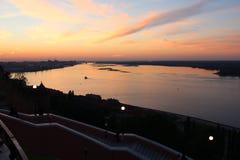 Céu do por do sol no Strelka Fotografia de Stock Royalty Free