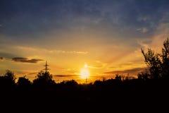 Céu do por do sol da foto Duas almas, dois sóis Imagens de Stock
