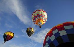 Céu do voo dos balões de ar quente Fotografia de Stock Royalty Free