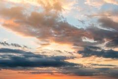 Céu dramático do por do sol de Beautyful Imagens de Stock Royalty Free