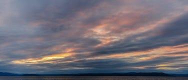 Céu dramático do por do sol fotos de stock