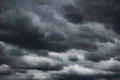 Céu dramático preto fotos de stock
