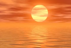 Céu e água alaranjados Fotografia de Stock Royalty Free
