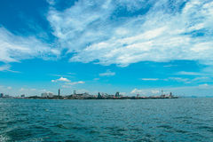 Céu e água perfeitos do oceano foto de stock