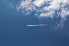Céu e airplan Imagem de Stock Royalty Free