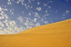 Céu e dunas Imagem de Stock