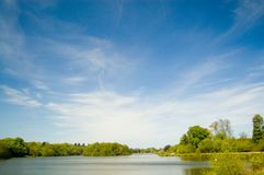Céu e lago grandes Foto de Stock Royalty Free