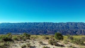 Céu e montanha, Potosi - Bolívia imagens de stock