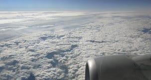 Céu e nuvens bonitos imagem de stock