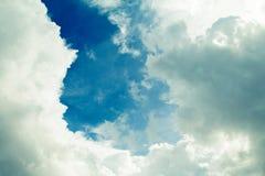 Céu e nuvens bonitos Foto de Stock