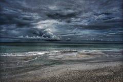 Céu e ondas do oceano Storm Imagem de Stock Royalty Free