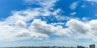 Céu e panorama das nuvens do branco Fotografia de Stock Royalty Free