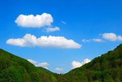Céu entre dois montes Imagens de Stock Royalty Free