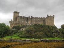 Céu escuro no castelo de Dunvegan (Escócia Reino Unido) Imagens de Stock