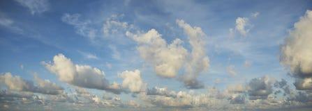 Céu espectacular da manhã imagens de stock