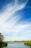 Céu grande e a água Imagens de Stock