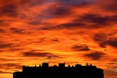Céu impressionante sobre a cidade imagens de stock royalty free