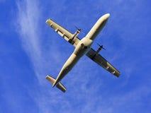 Céu inferior transversal do avião Imagens de Stock Royalty Free