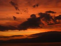 Céu nas flamas Fotos de Stock Royalty Free