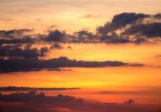 Céu nebuloso alaranjado Fotos de Stock Royalty Free