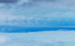 Céu nebuloso azul Imagens de Stock