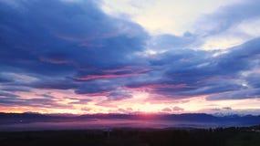 Céu nebuloso bonito da manhã Imagens de Stock