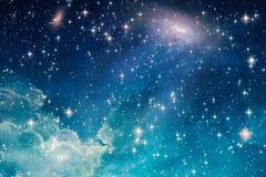 Céu nebuloso brilhante artístico no fundo da arte finala do espaço ilustração stock