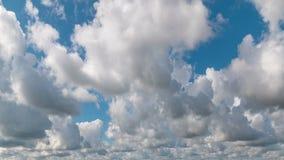Céu nebuloso da manhã do lapso de tempo, fundo da natureza vídeos de arquivo