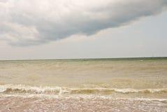 Céu nebuloso na praia Imagem de Stock Royalty Free