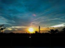 Céu nebuloso no tempo do por do sol Fotografia de Stock Royalty Free