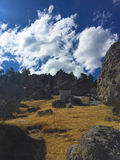 Céu nebuloso sobre uma paisagem Imagens de Stock