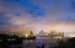 Céu nocturno da cidade de Sydney Fotos de Stock Royalty Free
