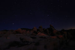 Céu noturno azul em Joshua Tree National Park Foto de Stock Royalty Free