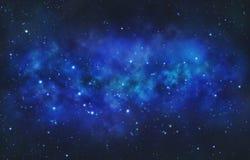 céu noturno azul estrelado com nebulosa das nuvens Foto de Stock
