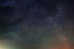 Céu noturno com lote de estrelas brilhantes, Foto de Stock Royalty Free