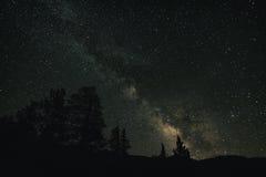 Céu noturno na serra Nevada Mountains Imagens de Stock