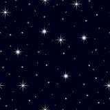 Céu noturno sem emenda da textura com lotes das estrelas ilustração stock