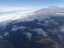 Céu, nuvens, terra Imagem de Stock