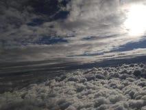 Céu, nuvens, terra, sol Imagem de Stock Royalty Free