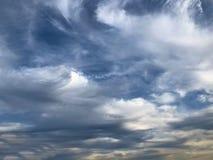 Céu pintado da nuvem foto de stock