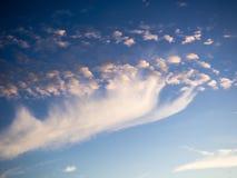 Céu, por do sol brilhante do azul, o alaranjado e o amarelo das cores Foto imediata, imagem tonificada Fotografia de Stock