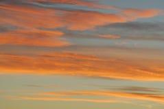 Céu rosado e nuvens do por do sol Foto de Stock Royalty Free