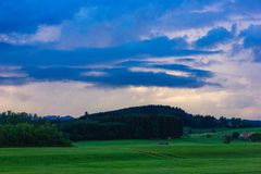 céu rural das nuvens de tempestade da terra Fotografia de Stock Royalty Free