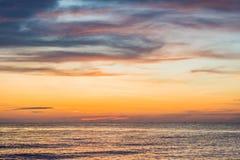 Céu sobre o panorama do mar, Vietname do por do sol Imagem de Stock Royalty Free