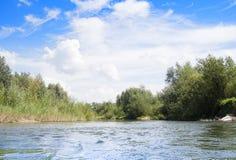 Céu sobre o rio Foto de Stock Royalty Free