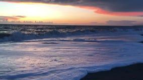 Céu tormentoso sobre o mar Por do sol filme