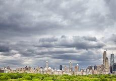 Céu tormentoso sobre a skyline de Manhattan, New York, EUA Fotos de Stock Royalty Free